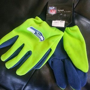 Seahawks gloves with grips